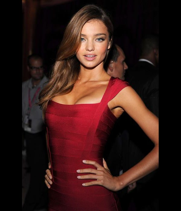 miranda-kerr-red-dress13.jpg
